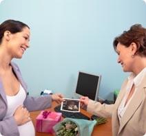 פיצויים לנשים שפוטרו עקב הריון...